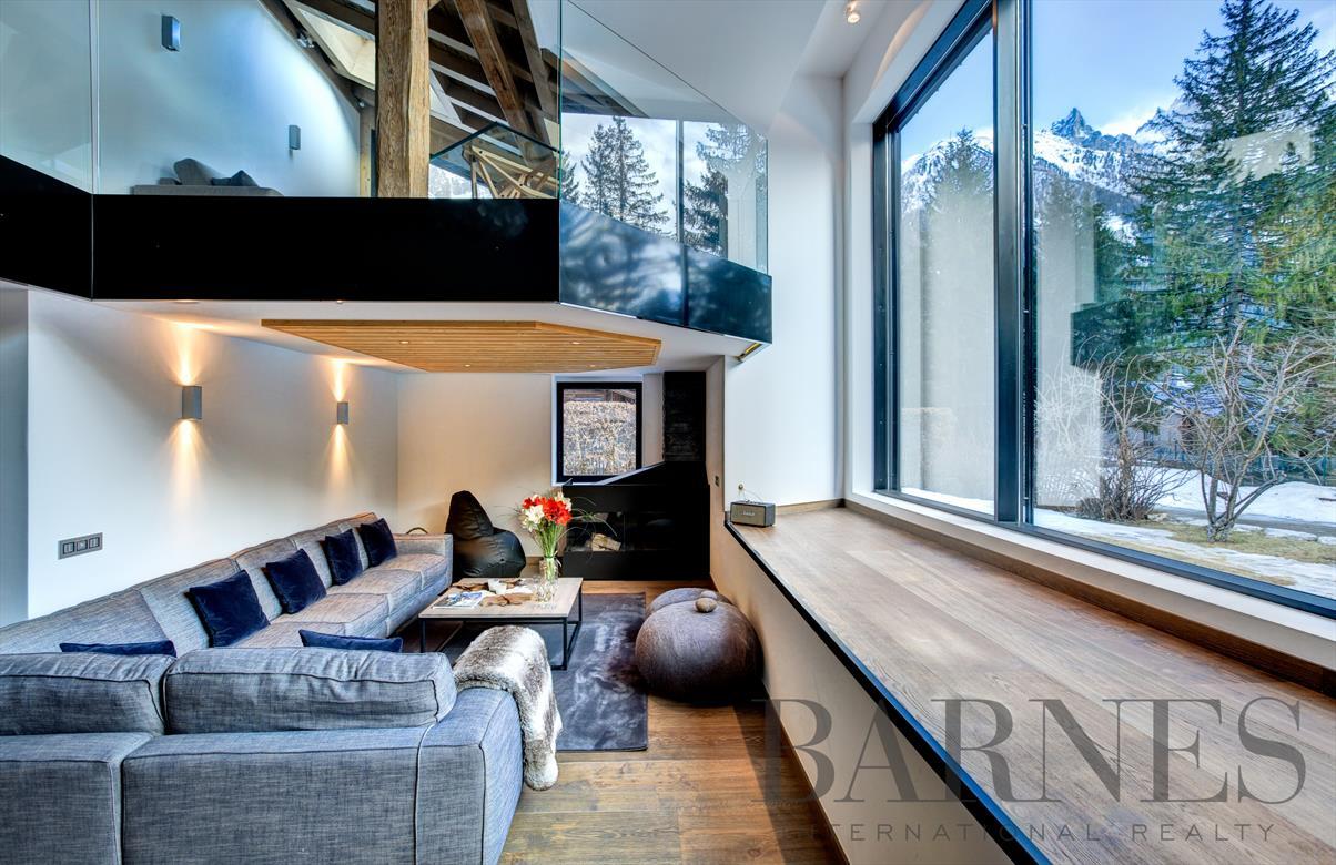 Chalet diamant noir vacation rentals chamonix mont blanc for Interieur francais